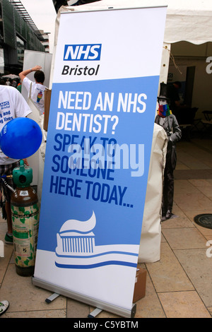 NHS Zahnarzt Bewusstsein Wahlplakat - Stockfoto