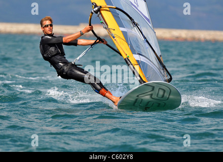 UK, Olympischen Test-Event. Olympische RSX-Windsurfen-Test-Event. Nimrod Mashiah Israels. - Stockfoto