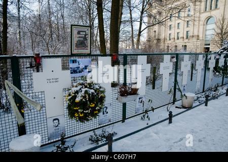 Gedenkstätte für die Opfer auf der Ost-Berliner Flucht und getötet von ostdeutschen Grenze bewacht, Ebertstraße, - Stockfoto