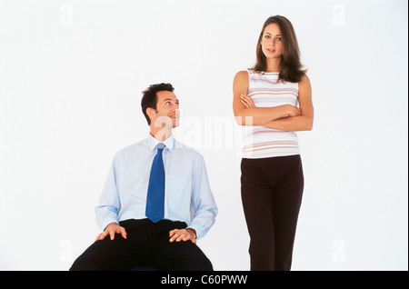 Geschäftsleute im Gespräch im Büro - Stockfoto