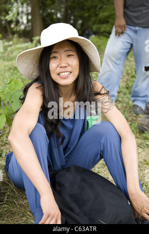 Porträt einer jungen chinesischen Frau von Peking an einem Projekt arbeiten, die Stadt von Detroit in den USA zu - Stockfoto