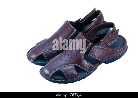 Mens Sommer braun Leder Sandalen auf weißem Hintergrund · Ledersandalen in weißen  Hintergrund isoliert - Stockfoto 17b63f465f