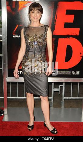 Rebecca Pigeon im Ankunftsbereich für RED Premiere, Graumans Chinese Theatre, Los Angeles, CA 11. Oktober 2010. - Stockfoto