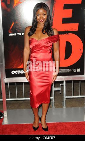 Serena Reeder im Ankunftsbereich für RED Premiere, Graumans Chinese Theatre, Los Angeles, CA 11. Oktober 2010. Foto - Stockfoto