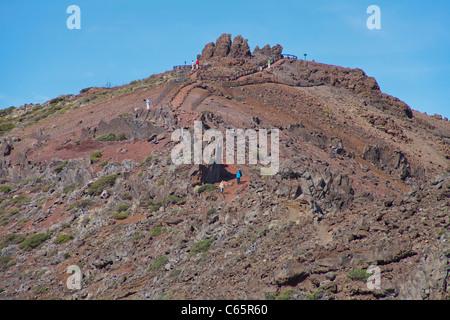 Wanderer Auf der Spitze des Roque de Los Muchachos, 2426 Meter, Parque Nacional De La Caldera de Taburiente, Wanderer - Stockfoto