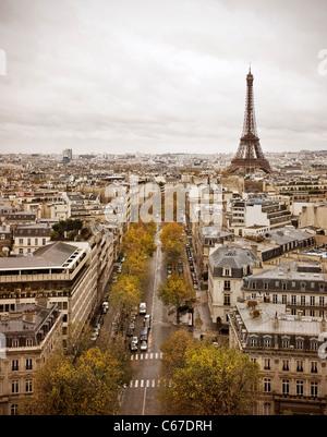 Skyline von Paris mit Eiffelturm. - Stockfoto