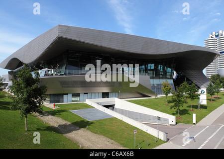 Die BMW Welt (BMW Welt) Gebäude in München, Bayern, Deutschland. - Stockfoto