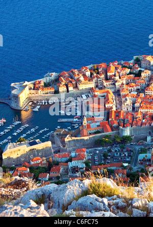 Dubrovnik, Kroatien, Wände, Hafen, Altstadt, am späten Abend - Stockfoto