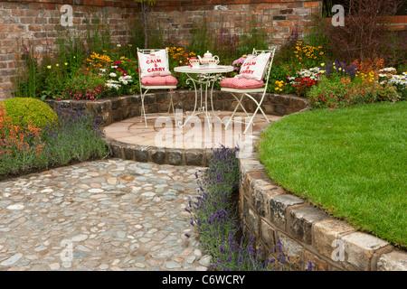 englischen cottage garten terrasse stockfoto bild 55476755 alamy. Black Bedroom Furniture Sets. Home Design Ideas