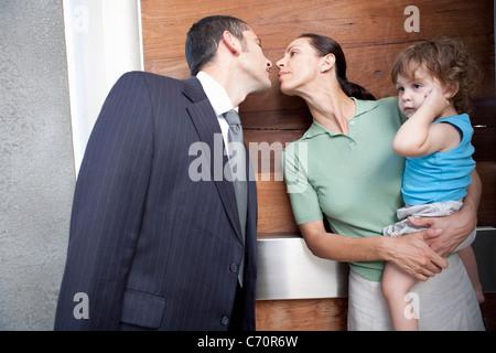 Ehemann Ehefrau vor der Arbeit