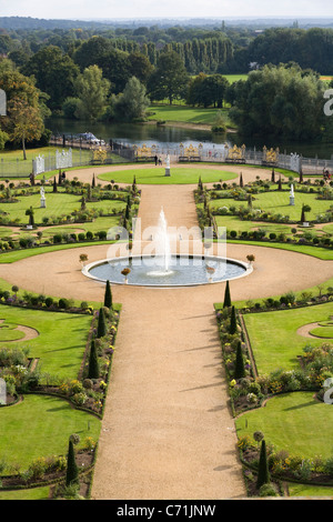 Erhöhten / Flugaufnahme Schuss / fotografieren des geheimen Gartens am Hampton Court Palace, UK. - Stockfoto