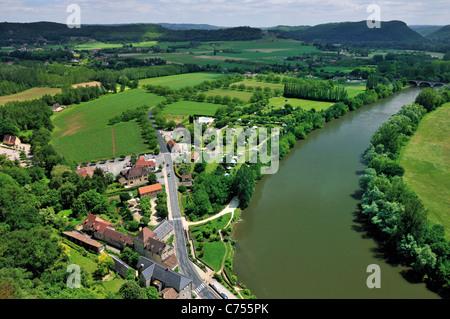 Frankreich, Perigord: Blick vom Chateau de Beynac auf das Dordogne-Tal - Stockfoto