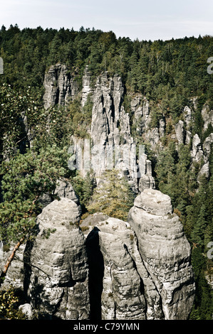 Bastei mit Kleine Gans rock Formation, Elbsandsteingebirge Elbsandsteingebirge, Sächsische Schweiz, Sachsen, Deutschland, - Stockfoto