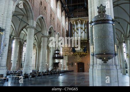 Die Pieterskerk ist eine spätgotische Kirche in Leiden, Holland. Die Kirche der Pilgerväter, wo John Robinson begraben - Stockfoto