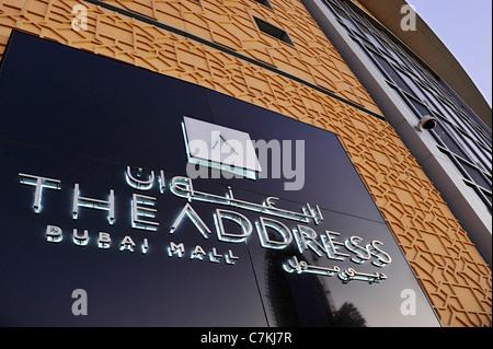 Sign THE ADDRESS DUBAI MALL, neben der Dubai Mall, das größte Einkaufszentrum der Welt, Downtown Burj Dubai, Dubai, - Stockfoto