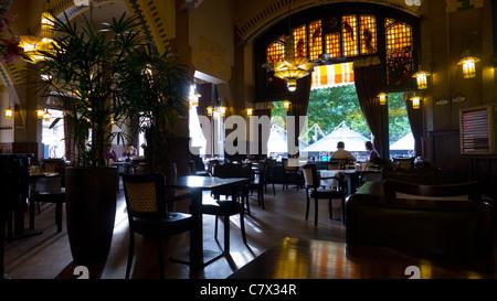 Tiffany Lampen Amsterdam : Cafe americain art deco interieur amsterdam niederlande tiffany