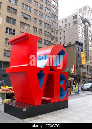 Liebe-Skulptur von Robert Indiana in New York City - Stockfoto
