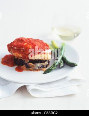 Fisch, Aubergine und Tomate Mille-feuille - Stockfoto