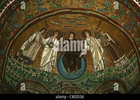Byzantinischen Mosaiken in der Apsis der Basilika von San Vitale in Ravenna, Italien. - Stockfoto