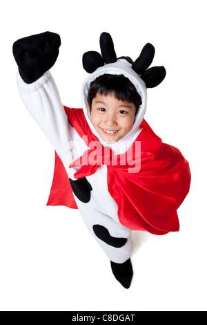Junge gekleidet wie eine Kuh Superhero - Stockfoto