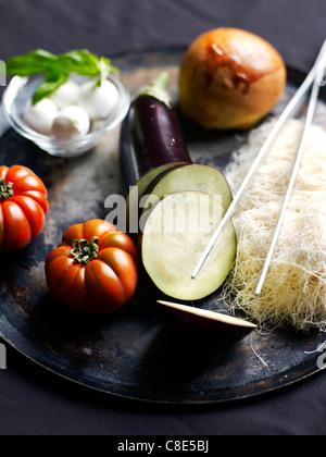 Zutaten für karamellisierte Aubergine Mille-feuille - Stockfoto