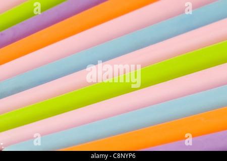Kunststoff Haarnadeln in Studioumgebung - Stockfoto