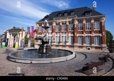 La Place du Kommandant Richez in Le Cateau-Cambrésis Frankreich - Stockfoto