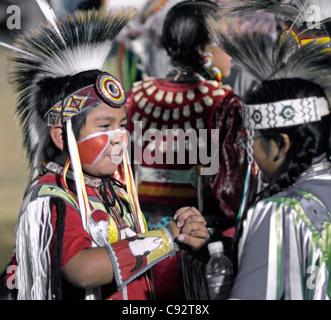 Scottsdale, Arizona - Teilnehmer in die Inter-Tribal Red Mountain Eagle Powwow statt bei der Pima-Maricopa inder - Stockfoto
