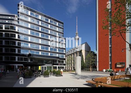 Der Litfass Platz in der neuen Hackesches Quartier in Berlin-Mitte, nahe Hackescher Markt. - Stockfoto