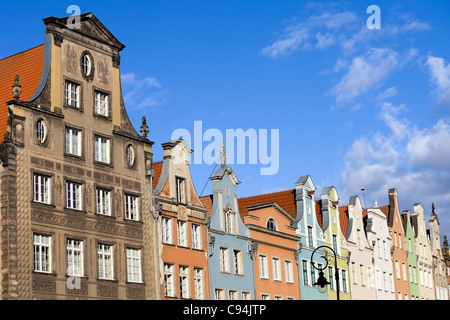 Altstadt-Liegenschaft beherbergt Wohnarchitektur in der Stadt Danzig, Polen, Zusammensetzung mit Exemplar - Stockfoto