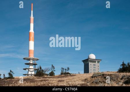 Sender auf dem Gipfel des Brocken Berg, Nationalpark Harz, Sachsen-Anhalt, Deutschland, Europa - Stockfoto
