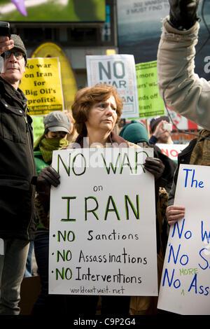 4. Februar 2012: Internationaler Aktionstag: keine US-Krieg gegen den Iran. Aktivisten-Rallye auf dem Times Square, - Stockfoto