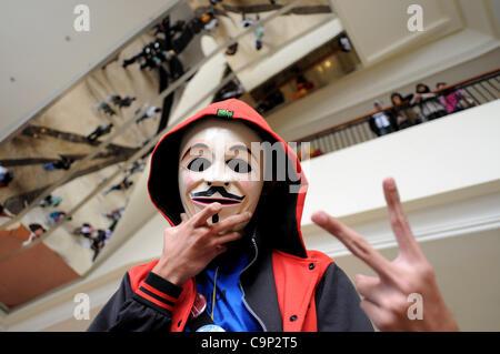 """4. Februar 2012 - Jakarta, Indonesien - ein """"HelloFest8"""" Teilnehmer tragen V For Vendetta Kostüm während des jährlichen - Stockfoto"""