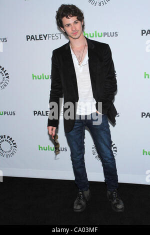 11. März 2012 - präsentiert Los Angeles, Kalifornien, USA - Connor Paolo.PaleyFest 2012 '' Rache '' in The Saban - Stockfoto