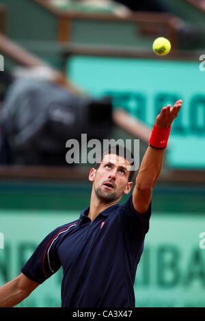03.06.2012 Paris, Frankreich. Novak Djokovic in Aktion gegen Andreas Seppi am 8. Tag der Französisch Open Tennis von Roland Garros.