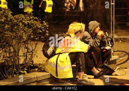 London, UK. Donnerstag, 14. Juni 2012 besetzen London vertrieben von Finsbury Square, einige der besetzen Gruppe - Stockfoto