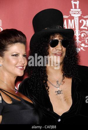 19. Oktober 2007 - statt Hollywood, Kalifornien, USA - Perla Ferrar und Slash während SPIKE TV SCREAM 2007, im griechischen - Stockfoto