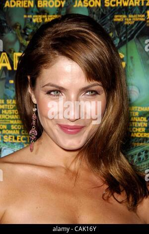 4. Oktober 2007 - Hollywood, Kalifornien, USA - Marisa Petroro während der Premiere des neuen Films von Fox Searchlight - Stockfoto