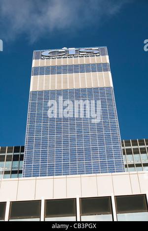 Die Genossenschaft CIS-Turm in Manchester, UK. Der Turm wurde in 7000 Sonnenkollektoren gedeckt und erzeugt genug - Stockfoto
