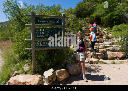 Familie Klettern Tafelberg über Platteklip-Cape Town-Südafrika - Stockfoto