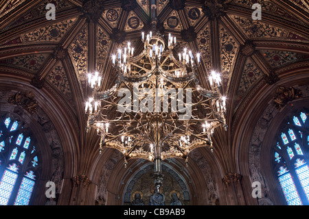 Kronleuchter, House Of Lords & House of Commons Lobby, des Parlaments, London, Großbritannien - Stockfoto