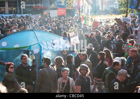 Beginn der besetzen Amsterdam am Beursplein - Stockfoto