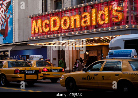 McDonald's Restaurant, 42nd Street, Times Square, New York - Stockfoto