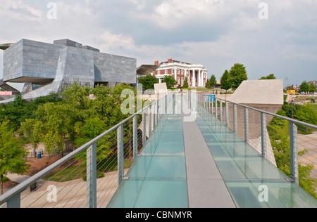 Chattanooga, Tennessee Hunter Museum of American Art, drei komplexe, Fußgänger Brücke von der Innenstadt entfernt - Stockfoto