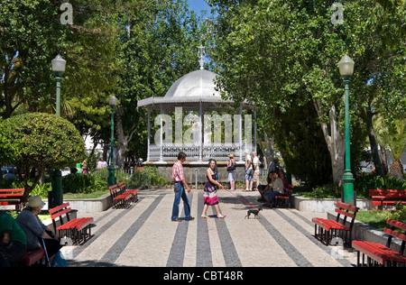 Park, Stadtzentrum, Tavira, Ost-Algarve, Portugal - Stockfoto
