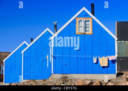 Dorf von Ittoqqortoormiit, Scoresbysund, Ostküste Grönlands - Stockfoto