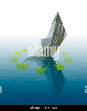 Euro Konkurs Konzept - Schiff gemacht 100 Euro-Banknote, die im Wasser zu versinken - Stockfoto