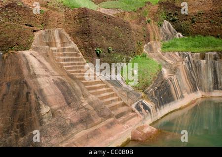 Der Pool im Palads an der Spitze von Sigiriya (Lion es Rock), Sri Lanka - Stockfoto