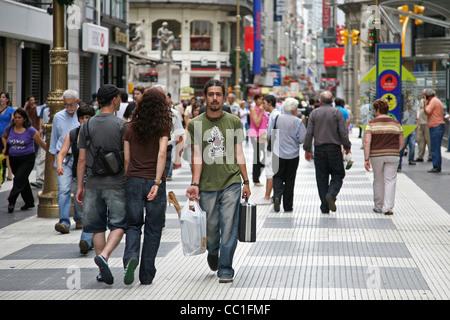Florida Street / Calle Florida, eine elegante Einkaufsstraße in der Innenstadt von Buenos Aires, Argentinien - Stockfoto
