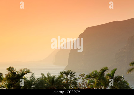 Kanaren, Teneriffa, Costa Adeje, Acantilado de Los Gigantes (Klippen der Riesen) - Stockfoto